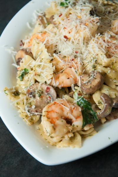 Shrimp and Veggie Pesto Pasta :: peasandcrayons.com