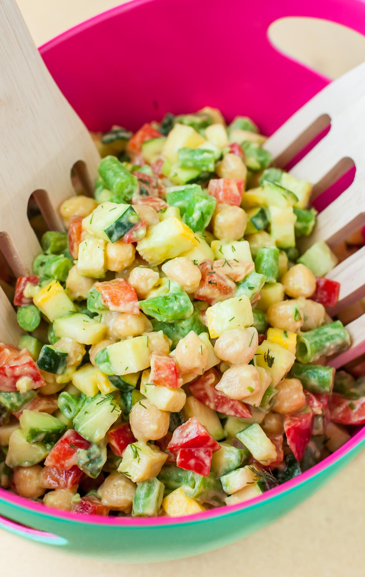 Veg out with this Farmer's Market Chopped Salad and Homemade Avocado Dill Dressing :: quick, easy, and deliciously #vegan