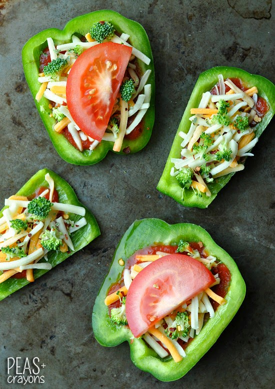 Bell Pepper Pizzas: hand-held veggie pizzas with a healthy twist!