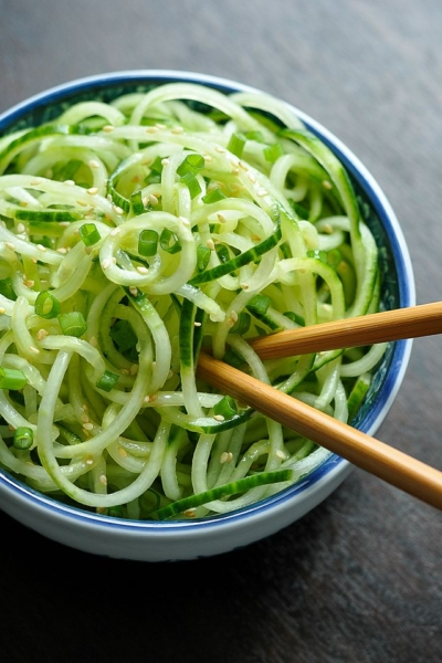 Spiral Cucumber Noodles with Sweet and Sour Dressing // healthy and refreshing!