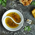 bread-dip-restaurant-style-herb-olive-oil-roasted-garlic-dip-550-watermark