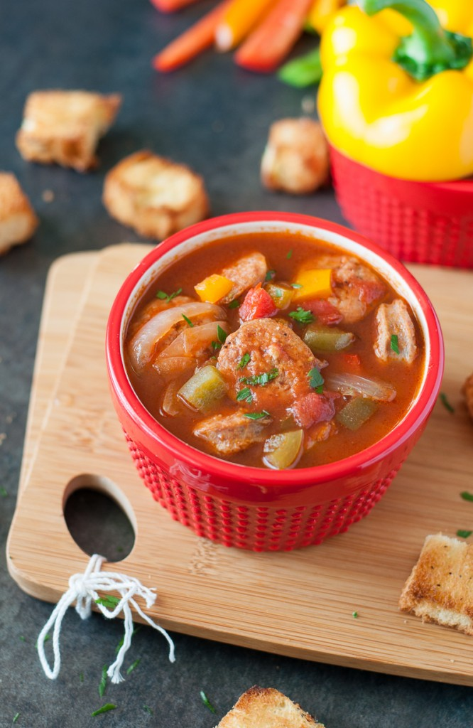 Sausage, Pepper, and Onion Soup :: everything you love about the classic dish - in a positively DELISH soup!