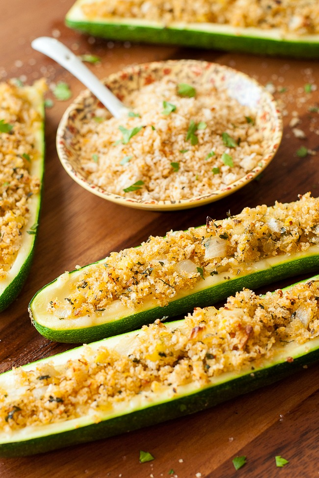 Cheesy Chipotle Zucchini Boats :: this tasty dish is easy to make and fun to eat!