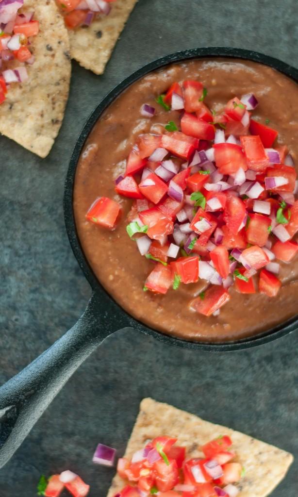 Healthy Chipotle Black Bean Dip + homemade pico de gallo! Vegan + GF