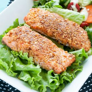 Sriracha Almond Crusted Salmon Filets :: quick, easy, and loaded with nutrients! You're gonna love this protein-packed dish!