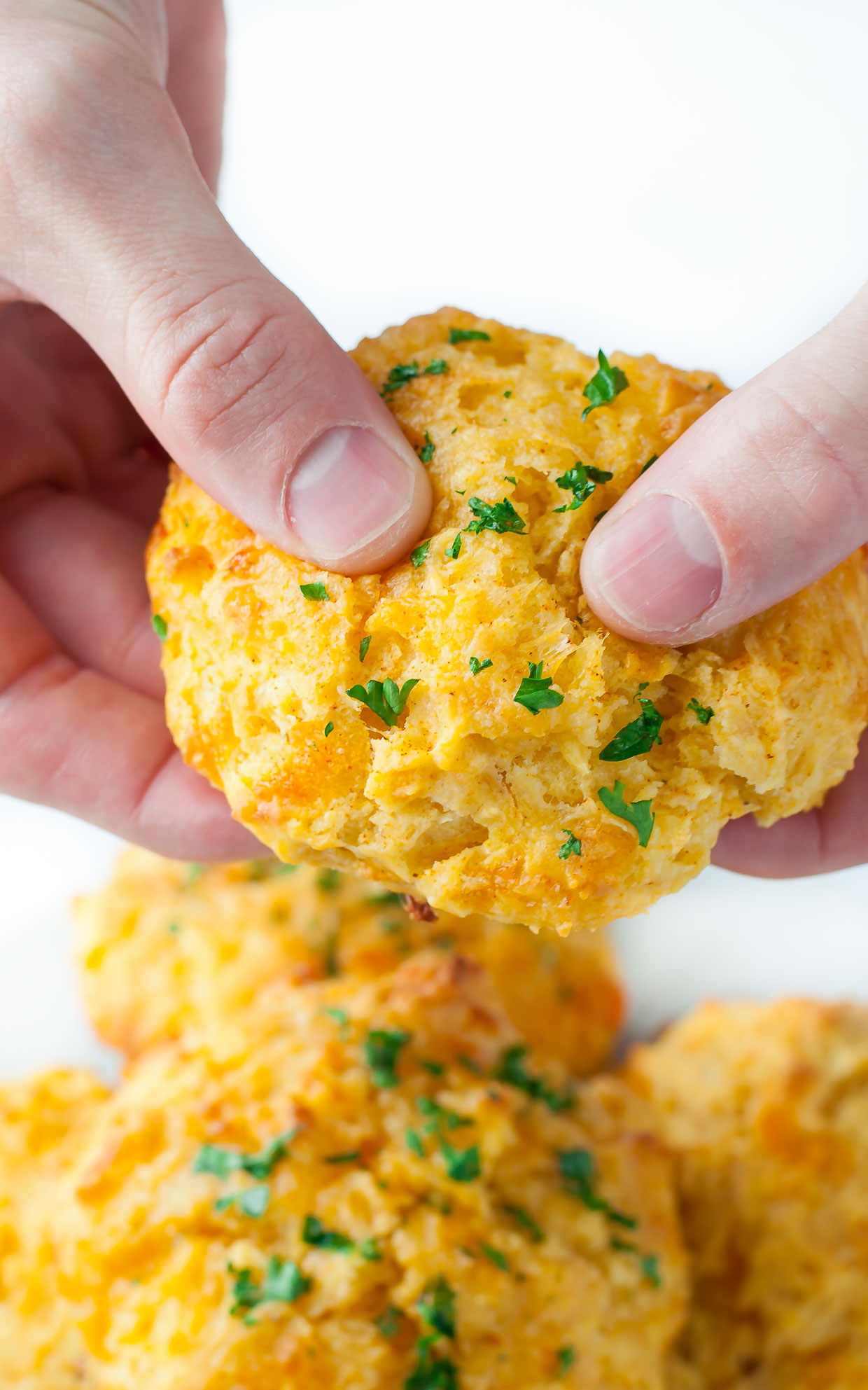 Red Lobster Copycat Cheesy Cheddar Bay Biscuits