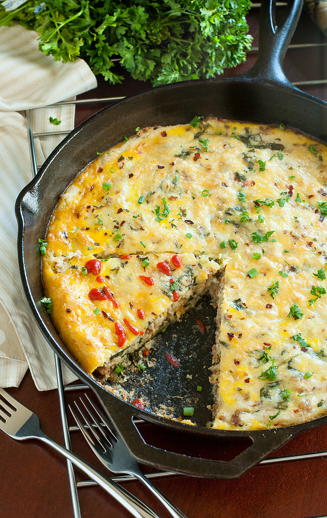 Skillet Sausage, Egg, and Cheese Grits Breakfast Bake :: This brunch bombshell of a breakfast casserole can even be made in advance!
