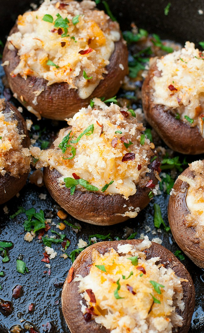 Crab Stuffed Mushrooms :: this awesome appetizer is perfect for your next party!
