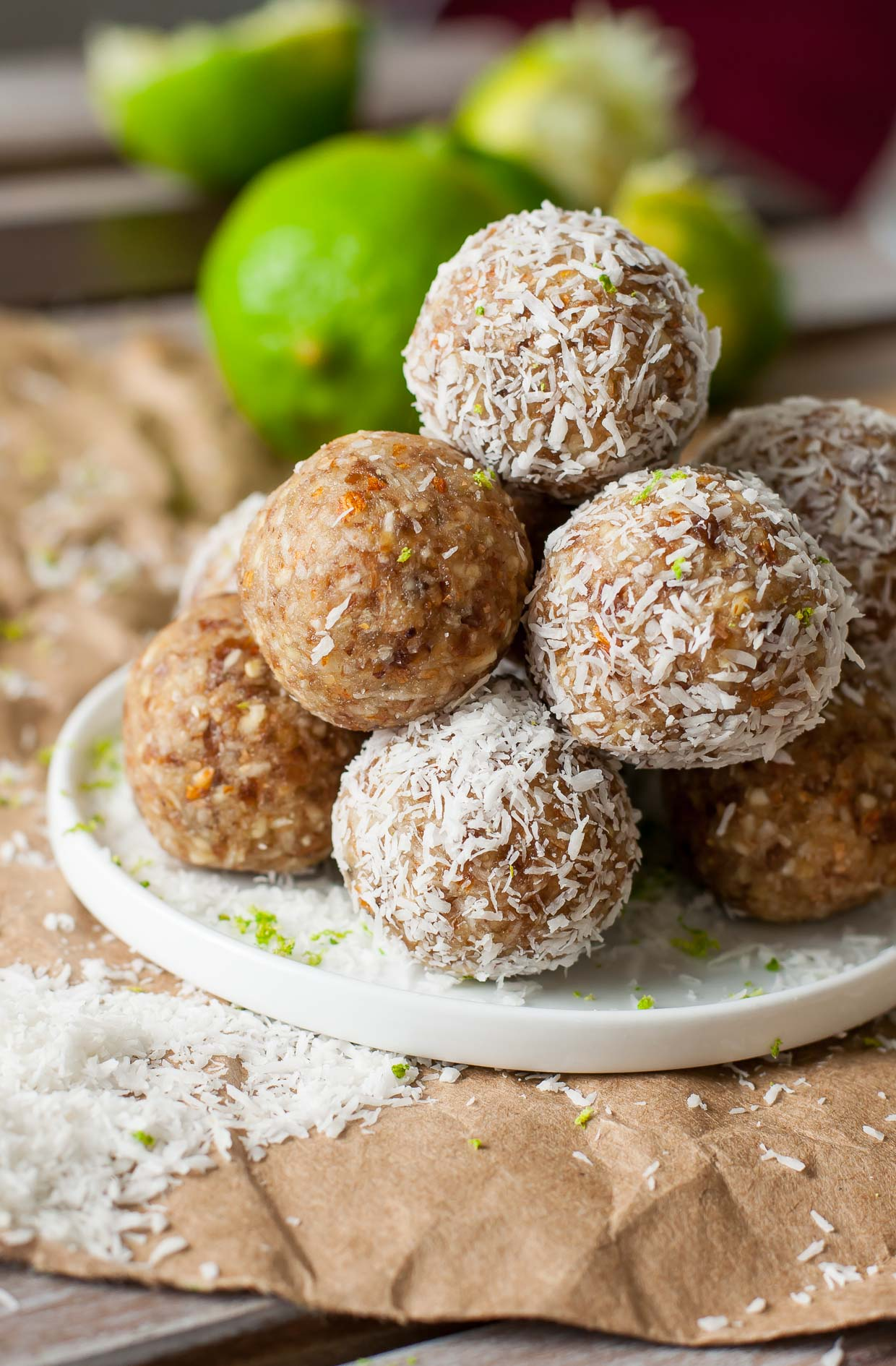 These healthy no-bake Key Lime Pie Energy Bites are the perfect tropical treat!