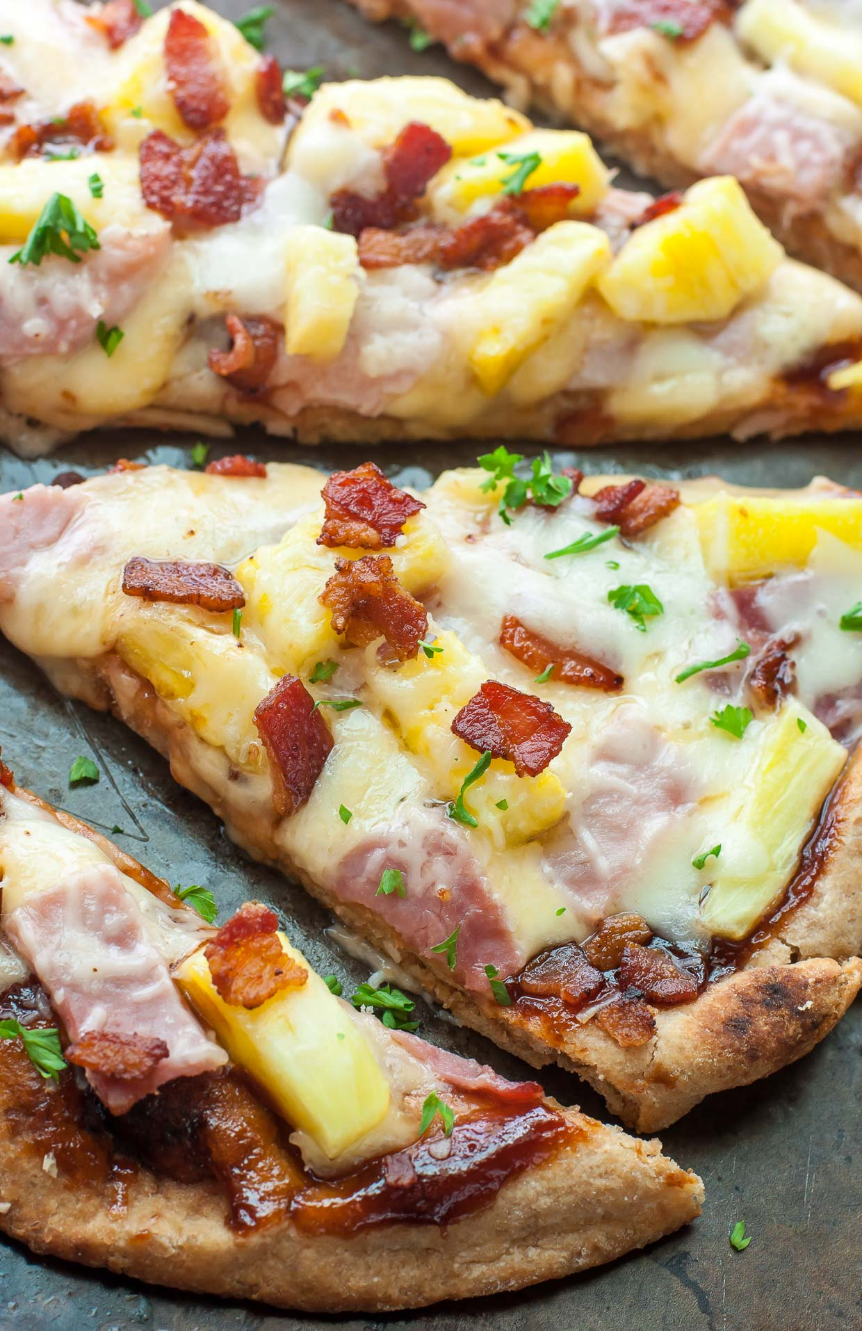 bbq hawaiian flatbread pizzas - peas and crayons