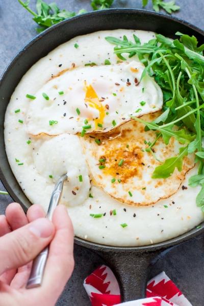 Cheesy Grits Breakfast Bowls