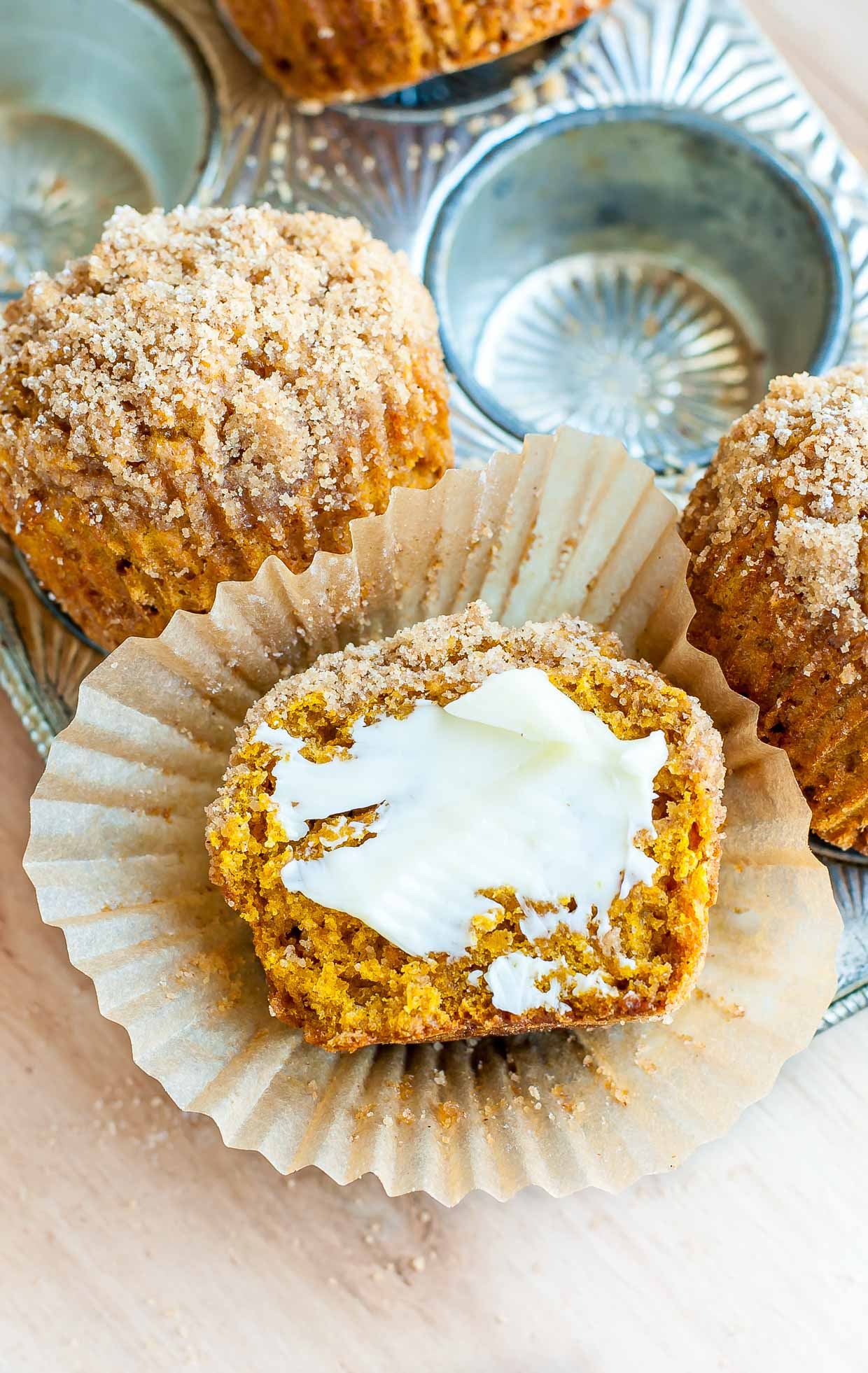 Delicious Pumpkin Spice Streusel Muffins!
