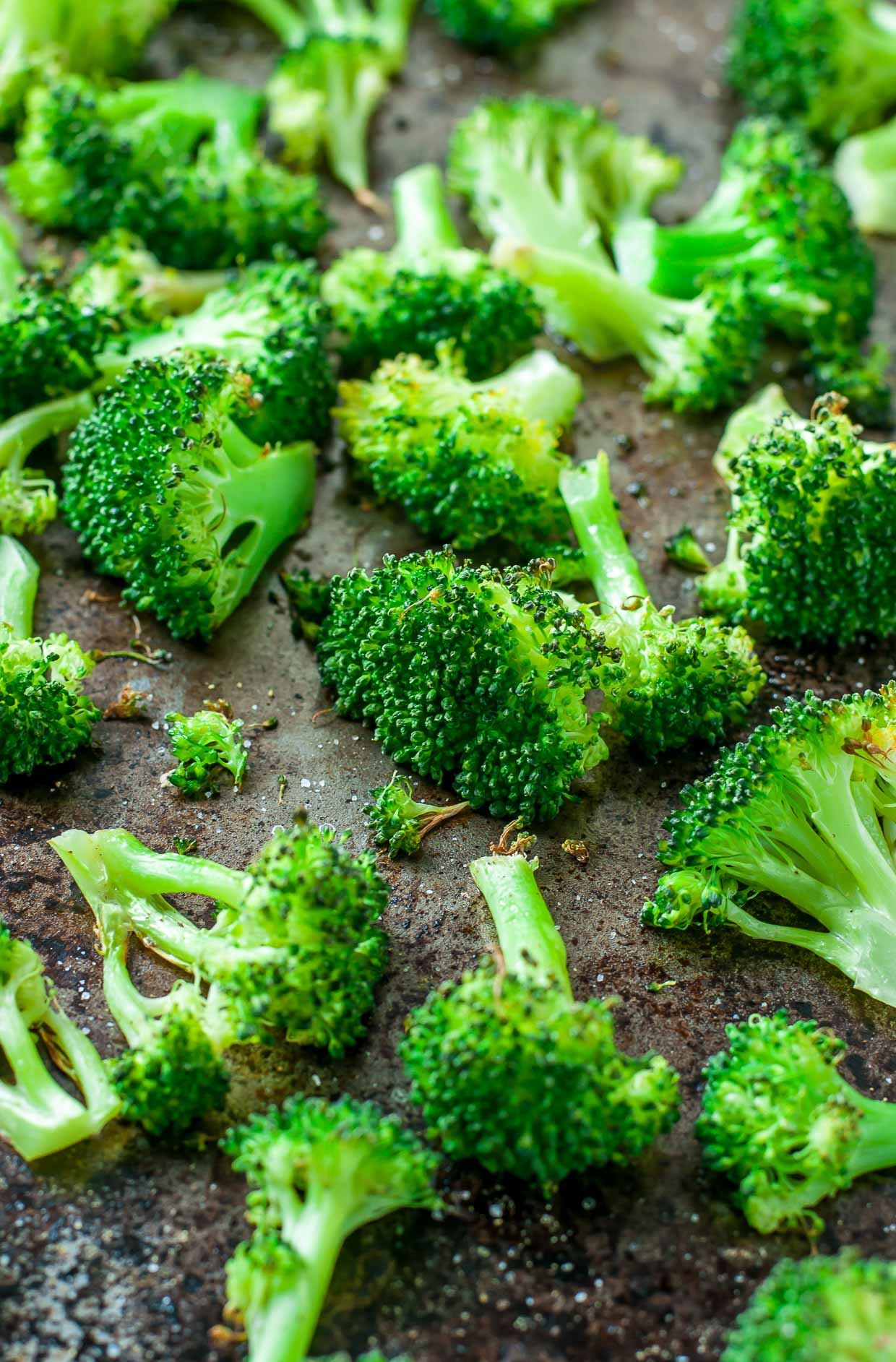 Sheet pan roasted broccoli