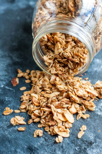 Healthy Homemade Granola Recipe - crunchy, nutty, and naturally sweet!