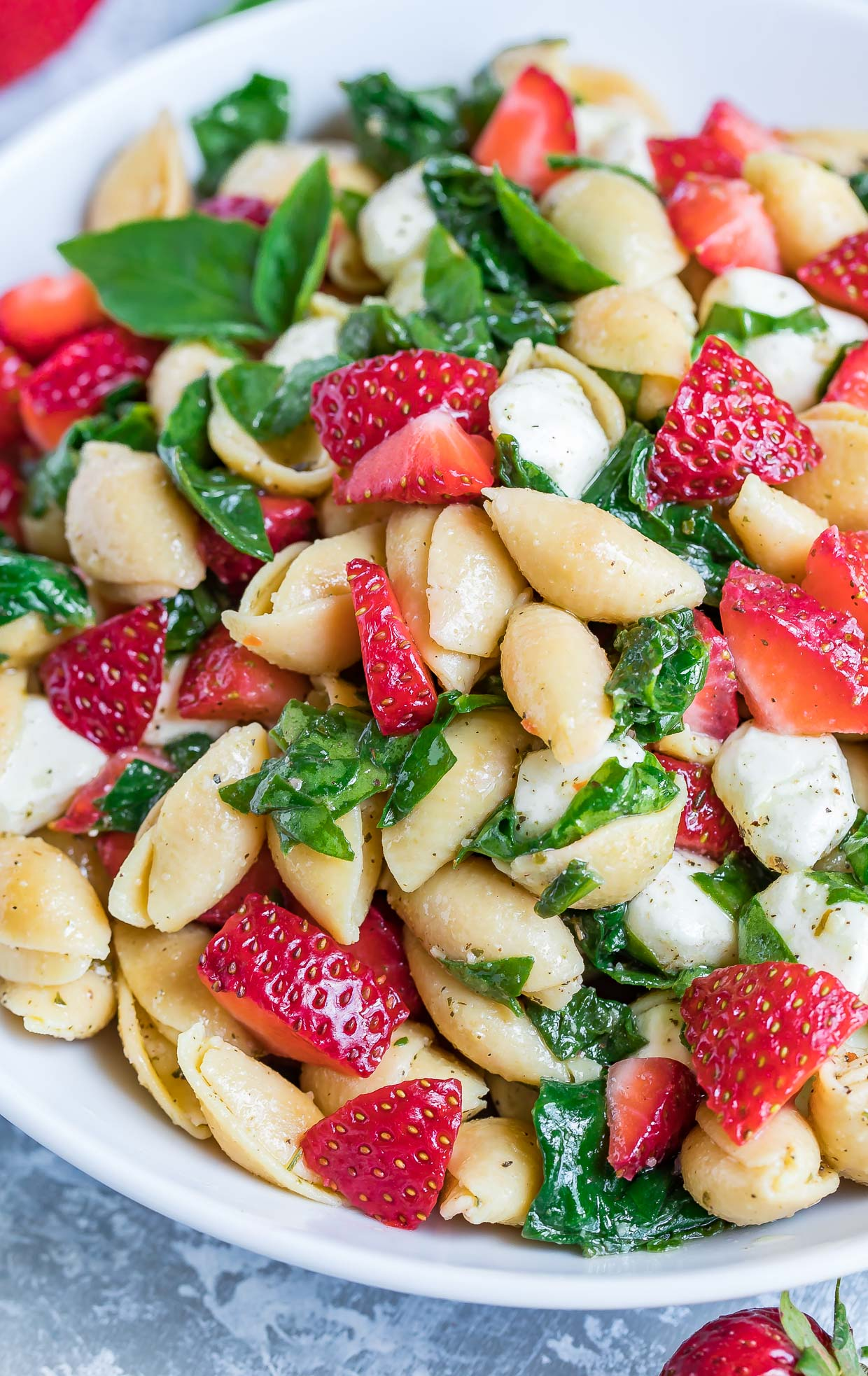 Let's lunch it up in style and pasta our salad with this scrumptious Strawberry Spinach Caprese Pasta Salad featuring gluten-free Chickapea Pasta!