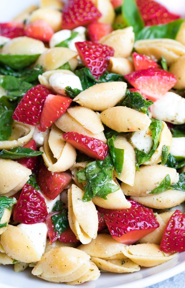 Strawberry Spinach Caprese Pasta Salad