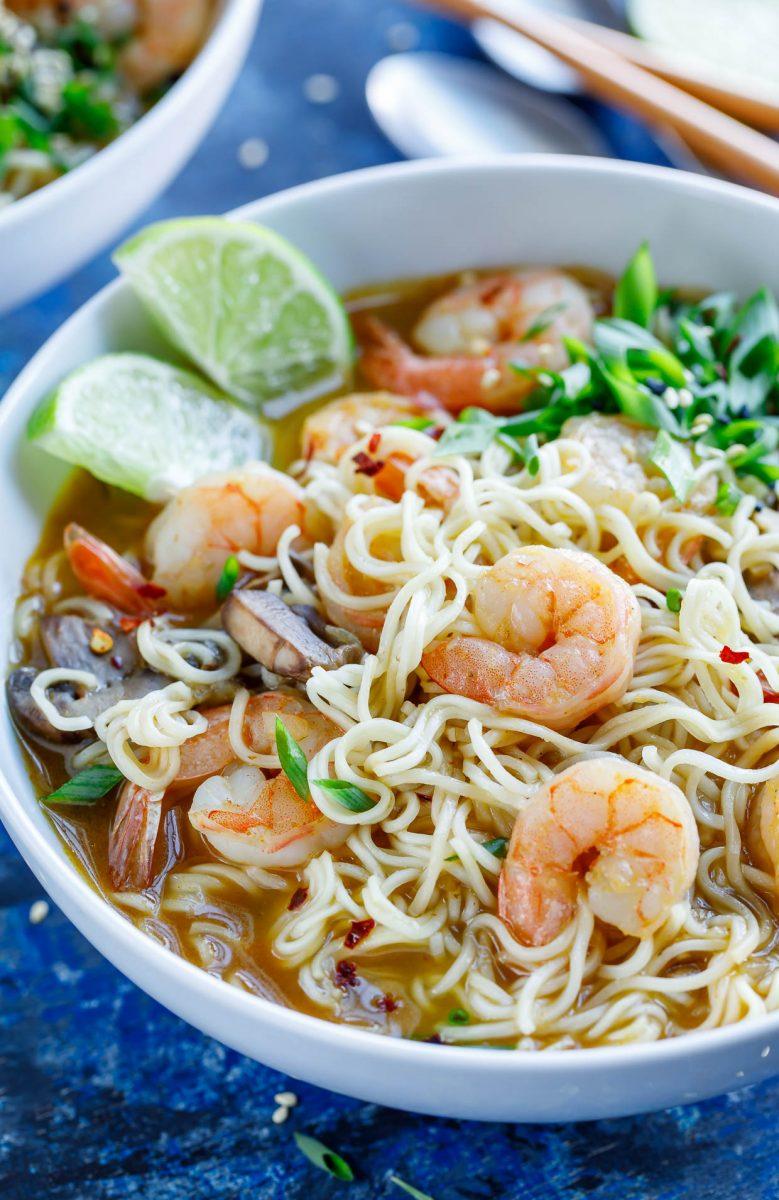 sriracha shrimp ramen noodle soup - peas and crayons