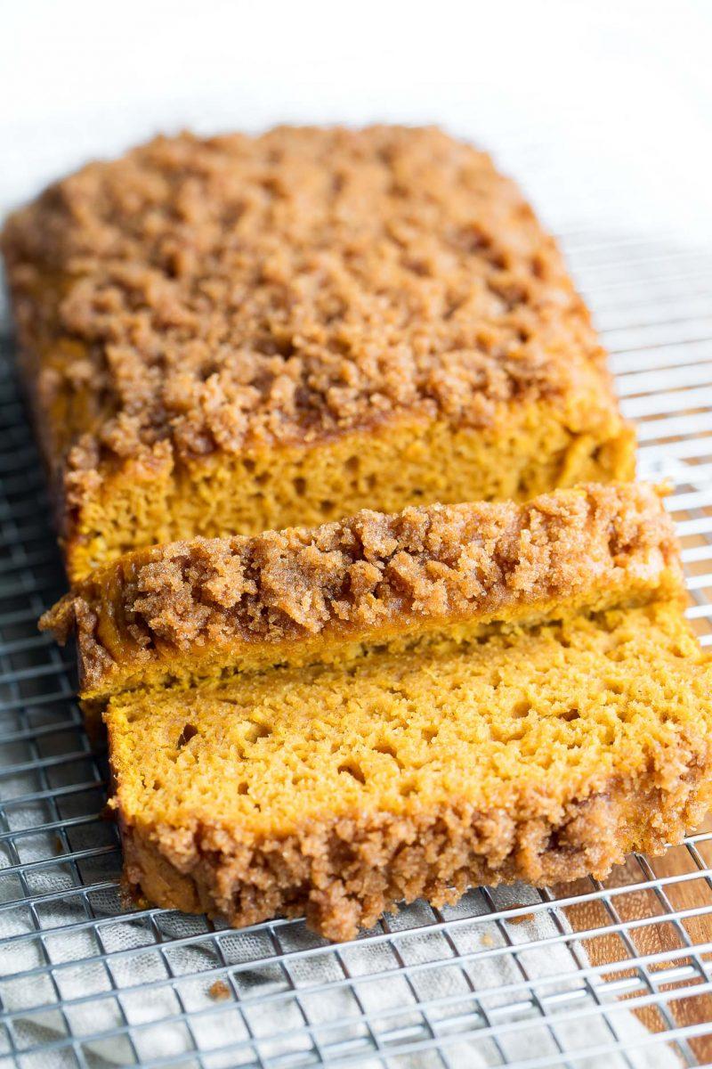 Canned Pumpkin Recipe Roundup - Pumpkin Bread with Cinnamon Sugar Streusel