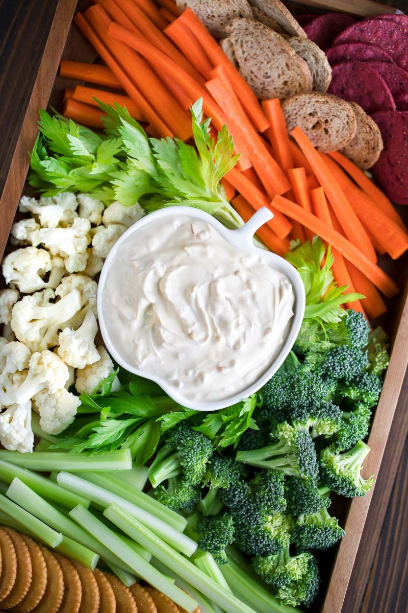 Easy Veggie Tray with Dip