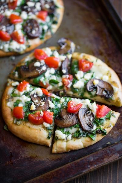 Pesto Pita Pizza with Spinach and Feta