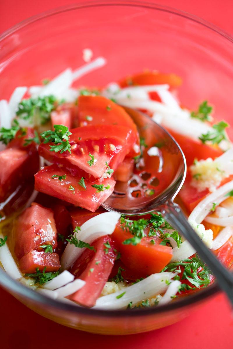 Marinated Tomatoes with Onion and Garlic