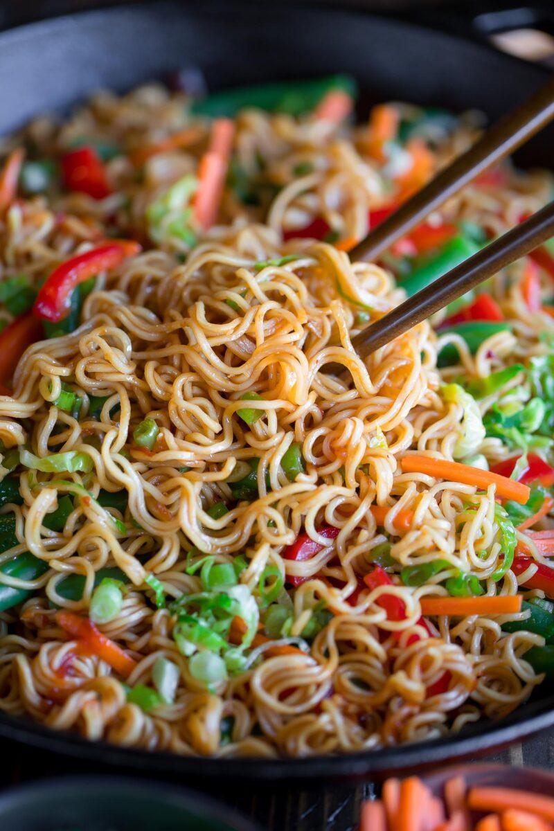 Stir Fry Noodles with Veggies