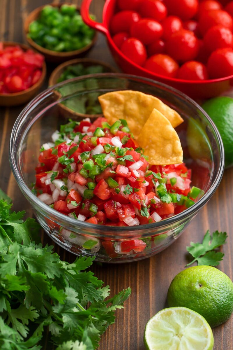 Fresh Salsa with Cilantro and Tortilla Chips